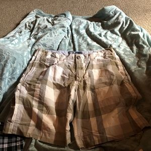 American Outfitter Ber Shorts Men Size 36